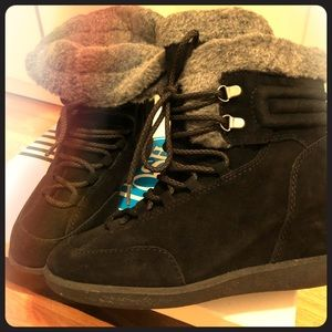 Winter boots by Nine West
